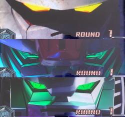 カードバトルパチスロ ガンダム クロスオーバーの開始画面顔アップ画面