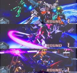 カードバトルパチスロ ガンダム クロスオーバーの開始画面複数機画面