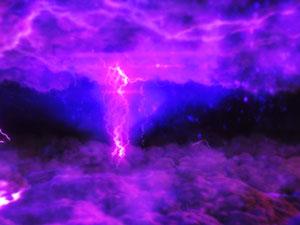 パチンコPモモキュンソードMCの雷雲予告画像